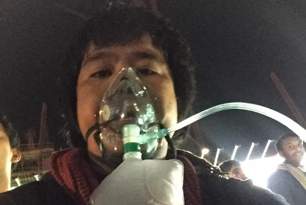 Dennis Mallari posted a picture after he escaped from a burning building to let people know he was alright.