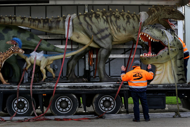 A wonderful lorry-ful of dinosaurs