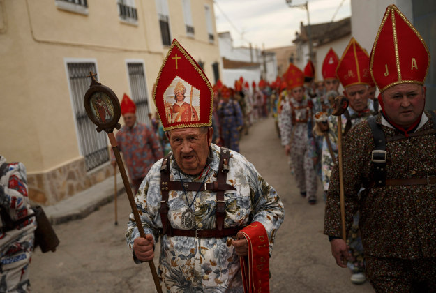 A man taking part in the traditional Endiablada