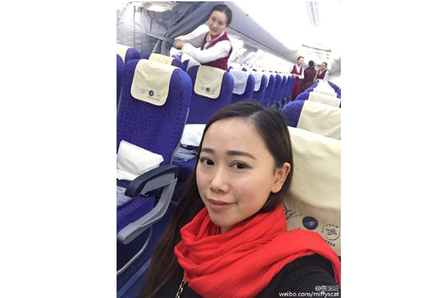 A woman got a solo flight during spring travel chaos.