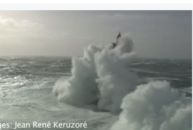 Storm Imogen batters a lighthouse in Brittany