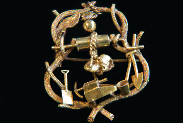 Early NSW miners brooch circa 1853. Image by Trevor Hancock.