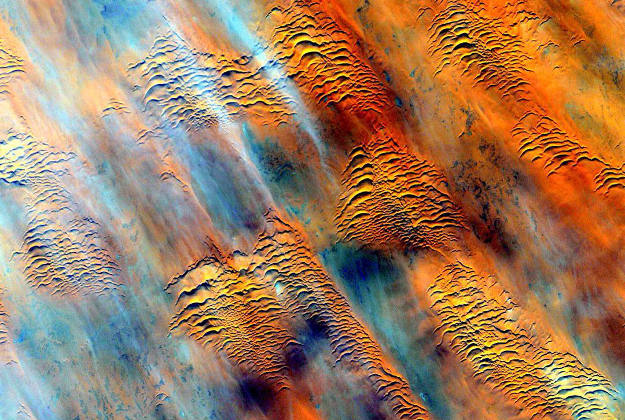 stationcdrkelly#Africa #EarthArt Earth without art is just Eh. #YearInSpace  #space #spacestation #iss #earth #art