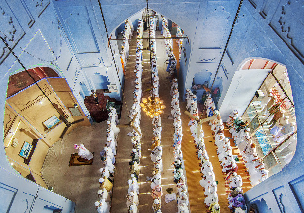 This is a general view of Eid ul Fitr Prayer at Alamgir Mosque in Varanasi, Uttarpradesh, India. Eid prayers, also known as Salat al-Eid and Salat al-Eidain , is the special prayer offered to commemorate two Islamic festivals.This image depicts the Hindu–Muslim brotherhood exploring the dynamics of communal relations in Varanasi-a holy city of the Hindus. Location: Varanasi, Uttar Pradesh, India