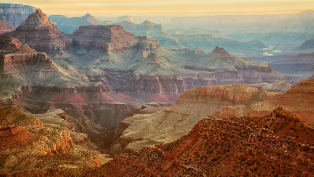 Grand Canyon from Grandview Point, upper left is the Temple of Vishnu, upper right is the Colorado River at the bottom of the canyon.