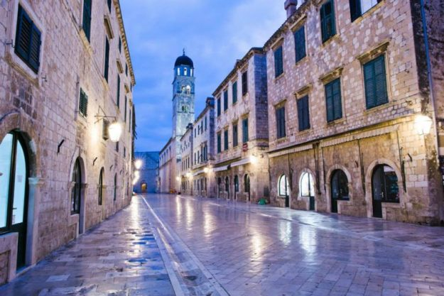 Dubrovnik overcrowding means empty streets are usually only visible at dawn.