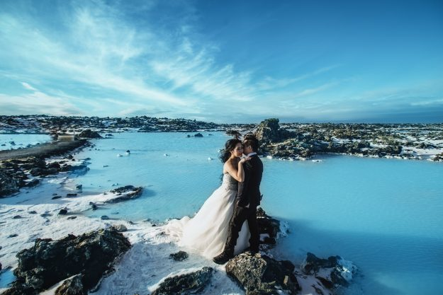 A dramatic shot of their Iceland engagement shoot.