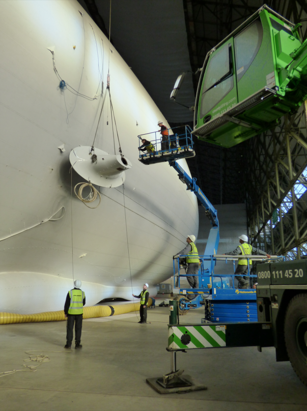 The Airlander 10 undergoes a pylon attachment.