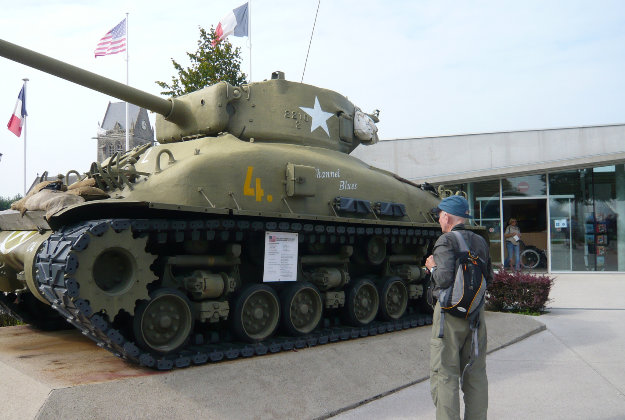 Normandy museum to sell all its exhibits.