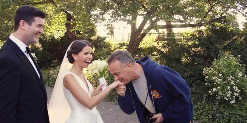 Tom Hanks surprises a couple on their wedding.