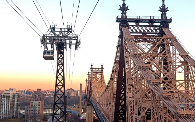 A cable car like this on Queensboro Bridge, New York could help ease Paris' traffic problems.