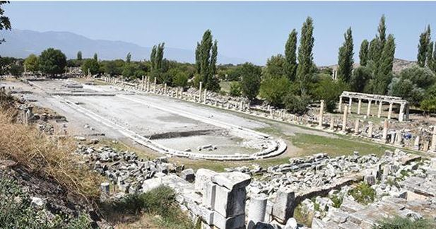 The most recent excavation centres on a giant swimming pool.