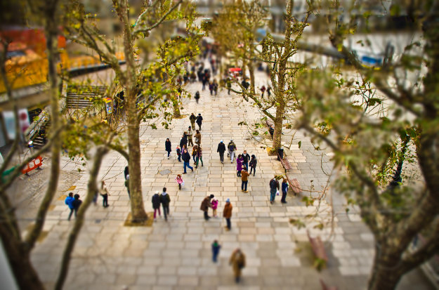 London's South Bank has introduced a fast-walking lane.