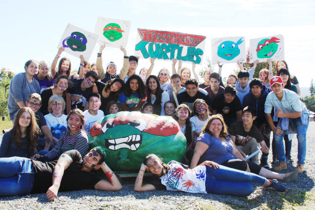 For the last 8 years, the Town of Windsor has provided a pumpkin to the 48 International students attending Avonview High School. Paddled by two students from Belgium and Turkey, everyone got into the spirit and decorated their pumpkin as a Ninja Turtle.