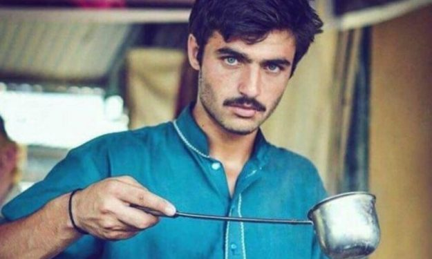 The famous snap of the handsome chai-wallah.