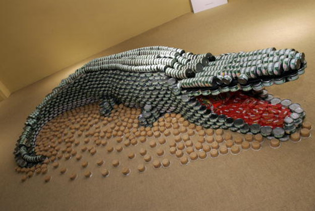 crocodile of cans titled ' a croc-can-diles lament ' by Arquitectonica is shown on display at 'Canstruction' in New York 14 November, 2006.