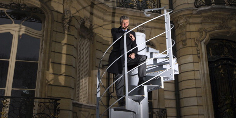 Eiffel Tower Stairs : A set of eiffel tower stairs sells for over in paris