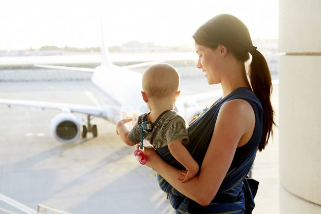 Passenger Alyson Hershelman from the US was grateful when two strangers made her flight with a toddler easier. Image: Stock photo by Chris Tobin/Getty Images
