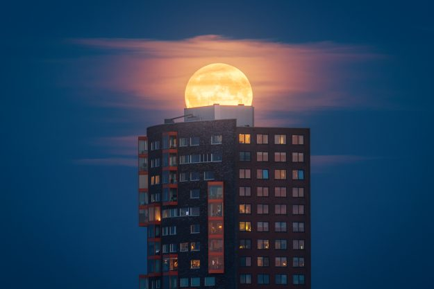 Astro photographer shares tips for capturing the forthcoming supermoon of the century