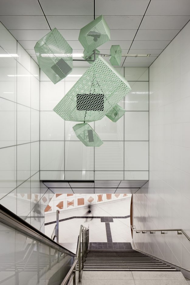 Heinrich Heine Allee features three entrances as visual and acoustic venues for the performance of changing sound compositions. Each of the three model spaces boasts a high-quality sound system, enabling the most wide-ranging acoustic interventions possible.