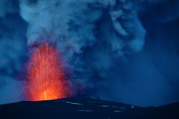 an introduction to the experience of viewing an erupting volcano Hawaii volcano eruption could last for months, or even years  breathaking view anak krakatau eruption  short scenes from the volcanic eruption in hawaii 694 .