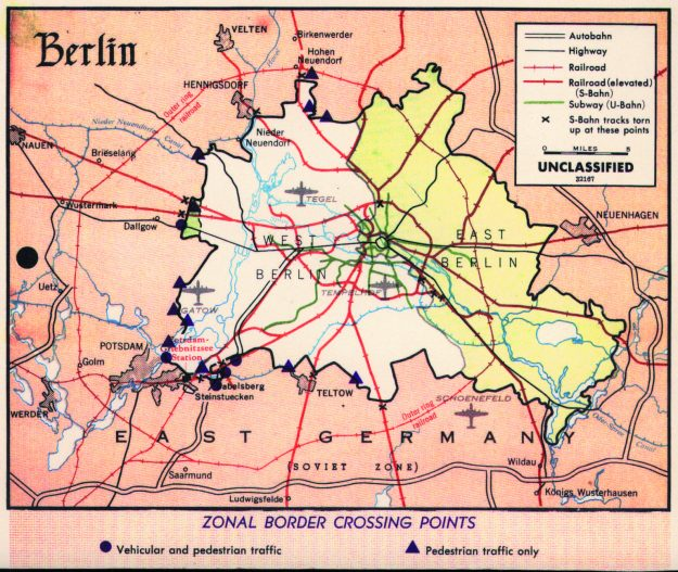 Map of Berlin crossings from the 1960's.