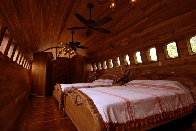 Bedroom of the 727 fuselage house