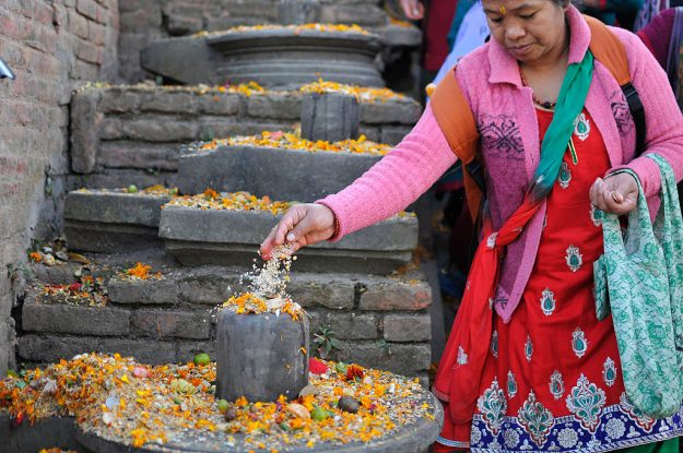 It is believed that dropped seeds in remembrance of beloved ones on the occasion of Bala Chaturdashi rituals, can secure a better place in heaven.