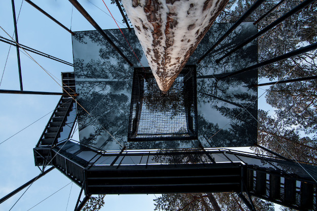 Spend a night in this new treehouse hotel room.