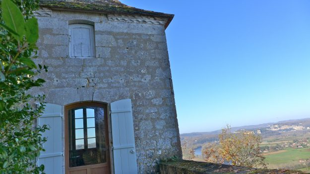 The house has stunning views of the Dordogne Valley.