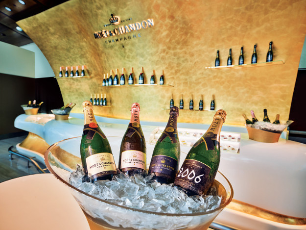 Emirates Dubai lounge Customers can visit a Moët & Chandon champagne lounge created exclusively for the Emirates Business Lounge.