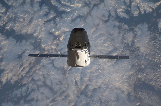 Dragon Spacecraft approaches the ISS.
