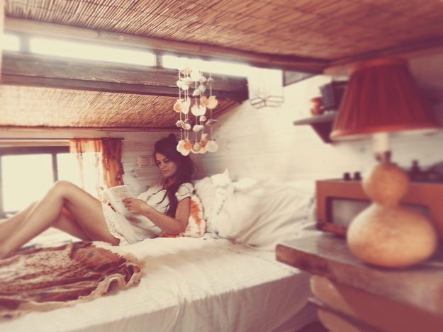 Elizabeth Wynn built her own sustainable tiny house on wheels and moved to Spain. Image: Eden Whispers