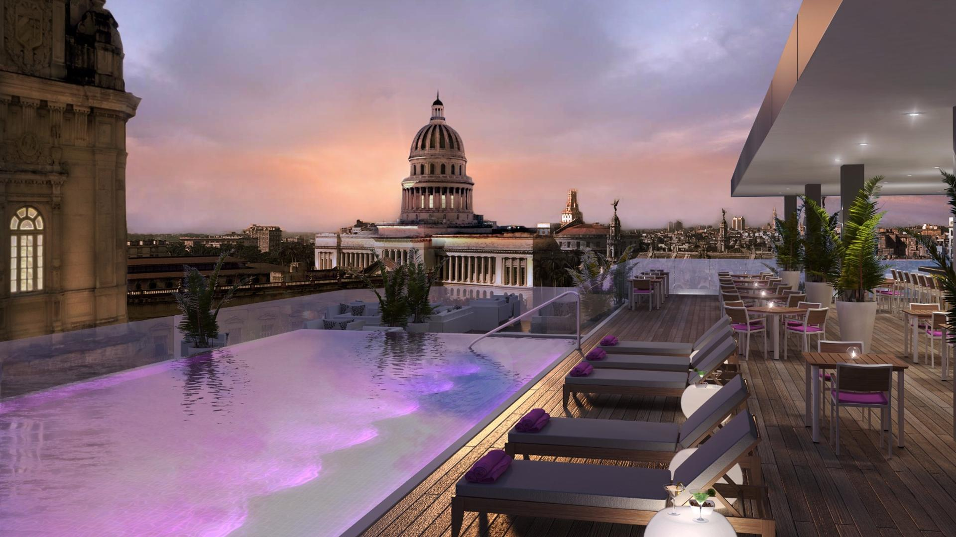 The pool overlooks The Capitol. Image by Kempinski Hotels