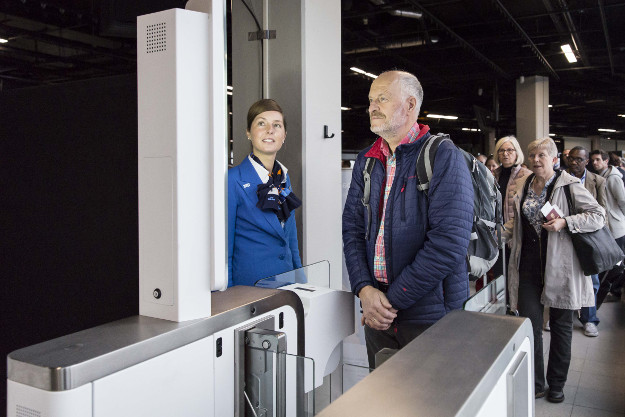 KLM is trying boarding via a facial recognition system.