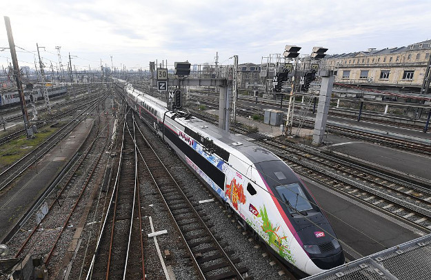 L'Oceane, the new TGV high speed train connecting Paris and Bordeaux arrives at Bordeaux's railway station during its inaugurating trip, on December 11, 2016.