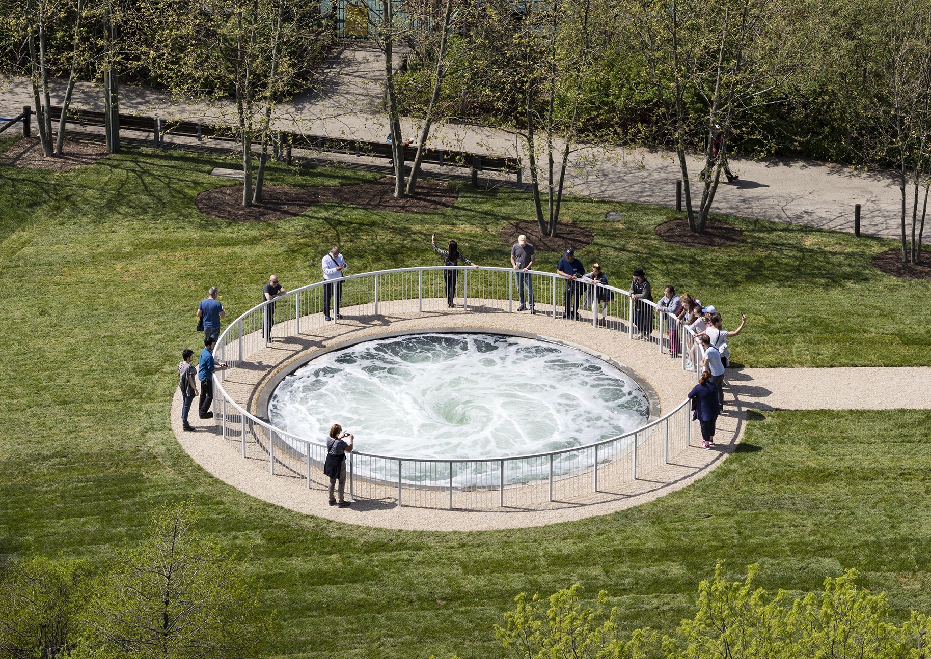Anish Kapoor wows New Yorkers with his \'Descension\' whirlpool