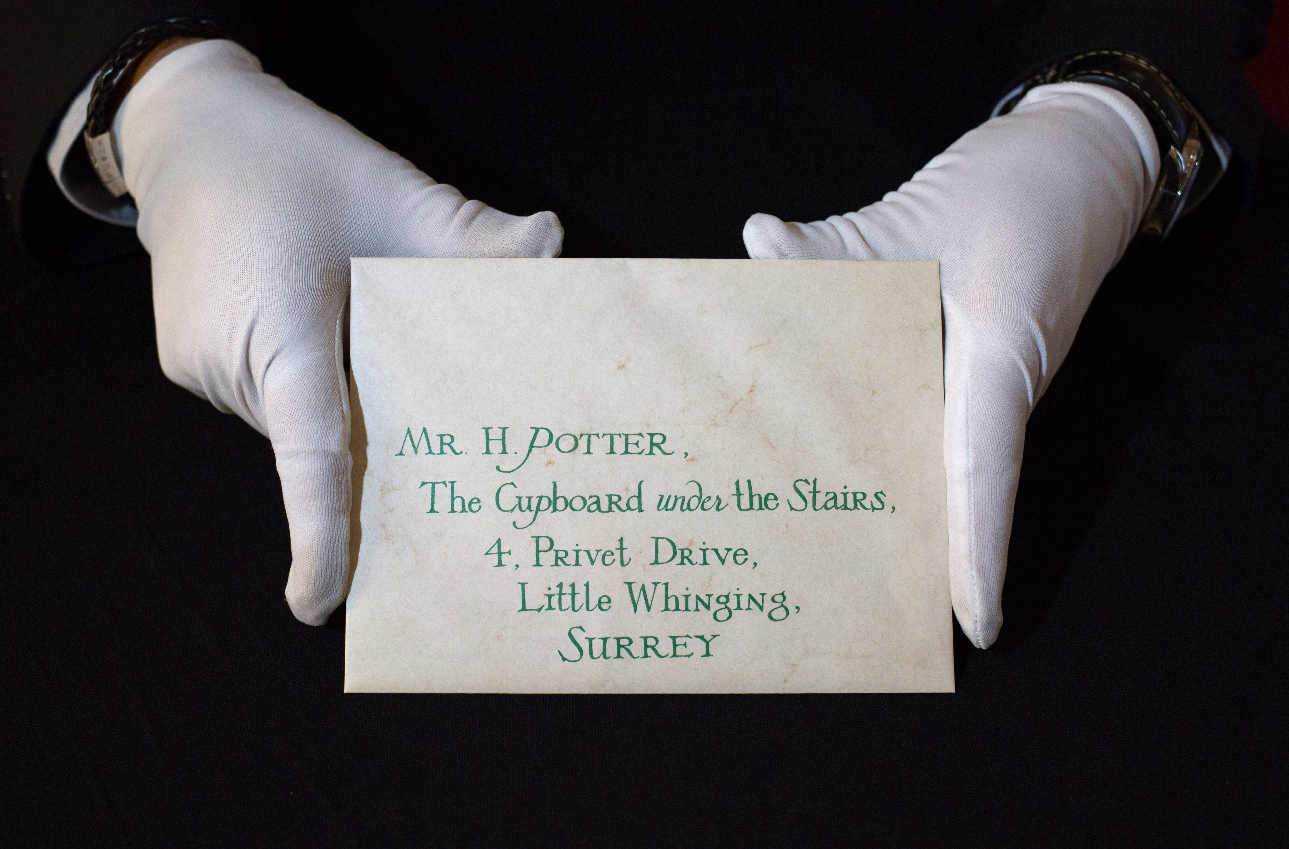 Harry Potter Hogwarts Acceptance Letter with Wax Seal from Harry Potter and the Philosopher's Stone (2001)