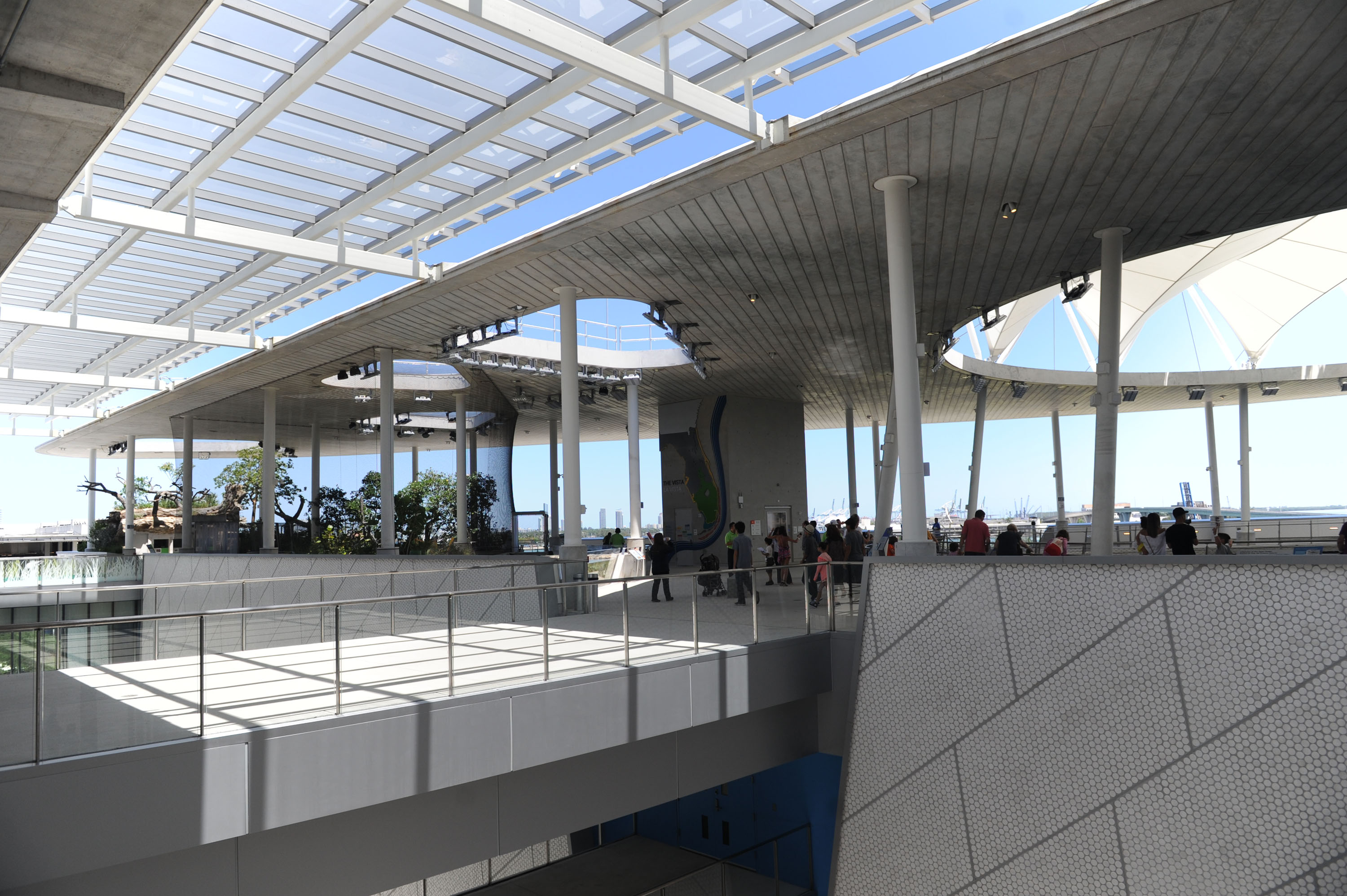 An outer view of the Aquarium at frost museum of science.