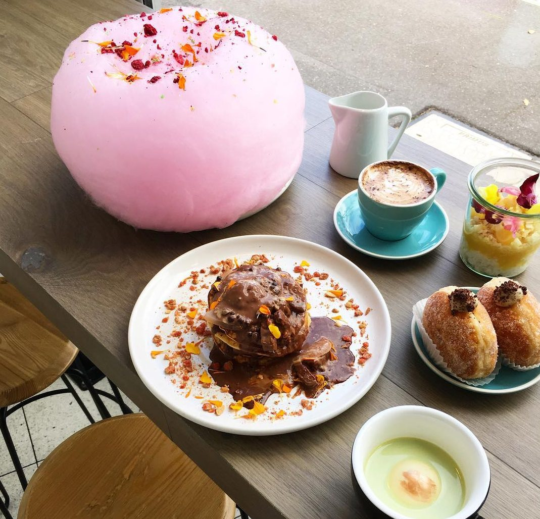 a caf in melbourne has created the fairy floss dessert burger. Black Bedroom Furniture Sets. Home Design Ideas