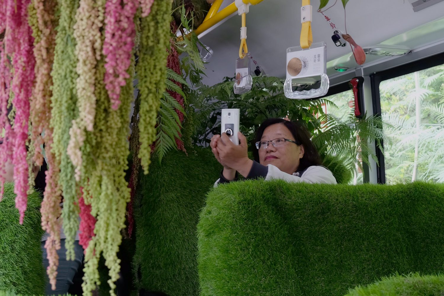 """Inside the """"forest bus"""" in Taipei. Image: Sam Yeh/AFP/Getty Images"""