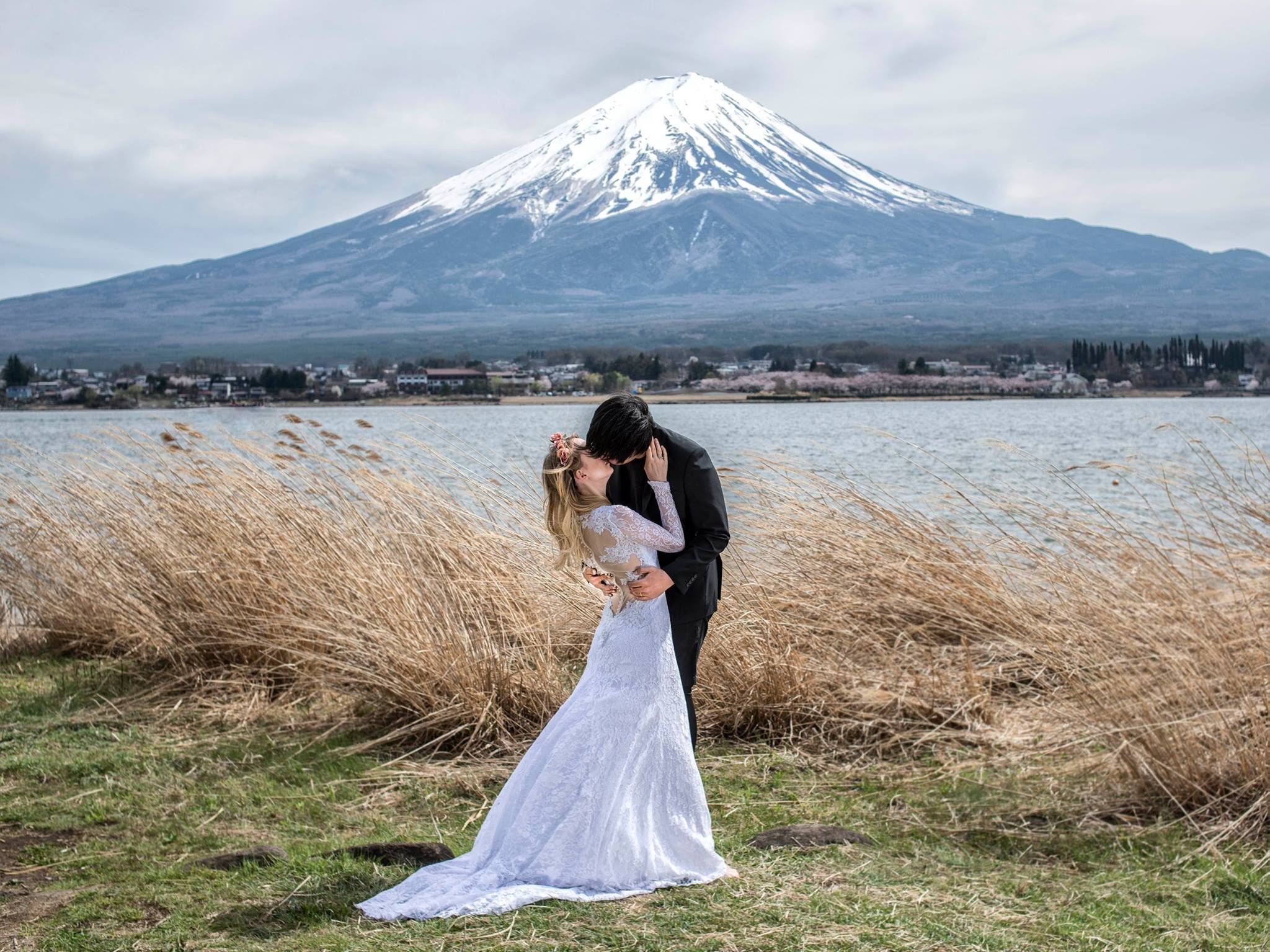 The couple in front of Mount Fuji in Japan.