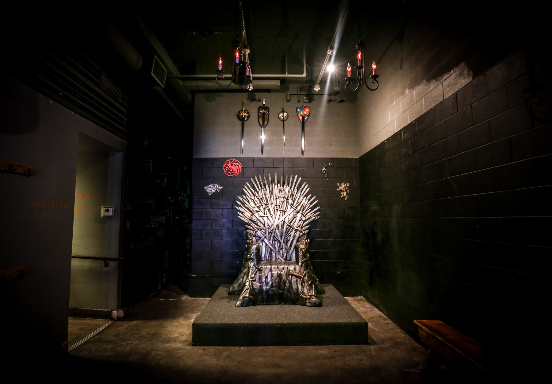 See Inside Washington Dc 39 S Incredible Game Of Thrones Pop