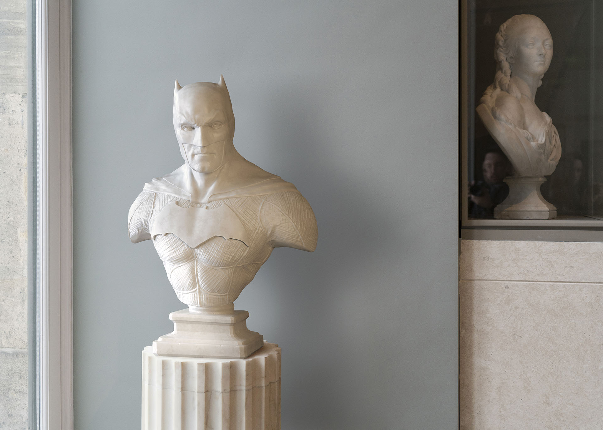 Heroes of Stone sees Leo creating images of superheroes placed in a museum setting.