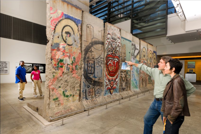 Help Take Down The Berlin Wall In Washington S Newseum