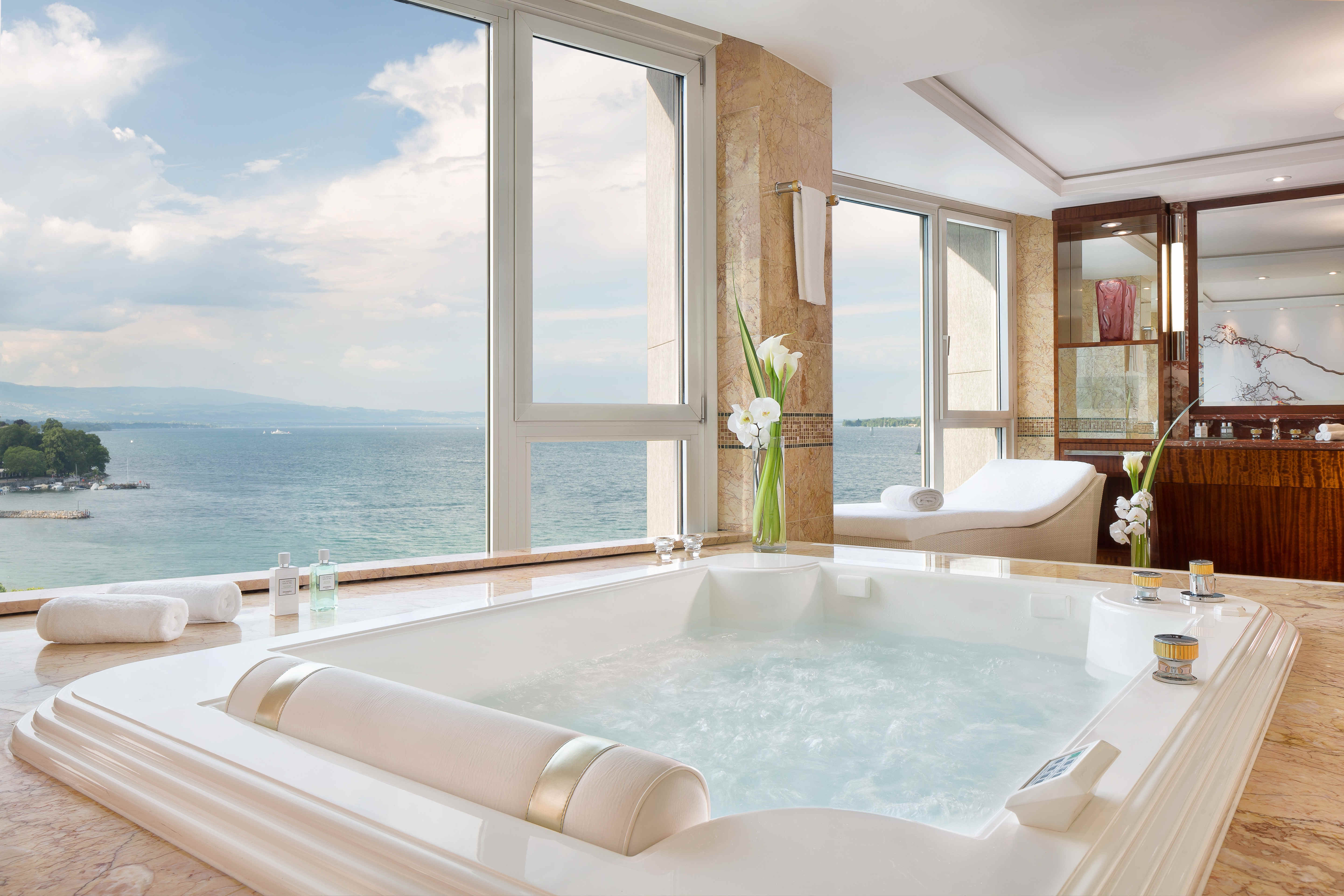 Fabulous The Most Expensive Hotel Suites Around The World For 2018 Download Free Architecture Designs Oxytwazosbritishbridgeorg