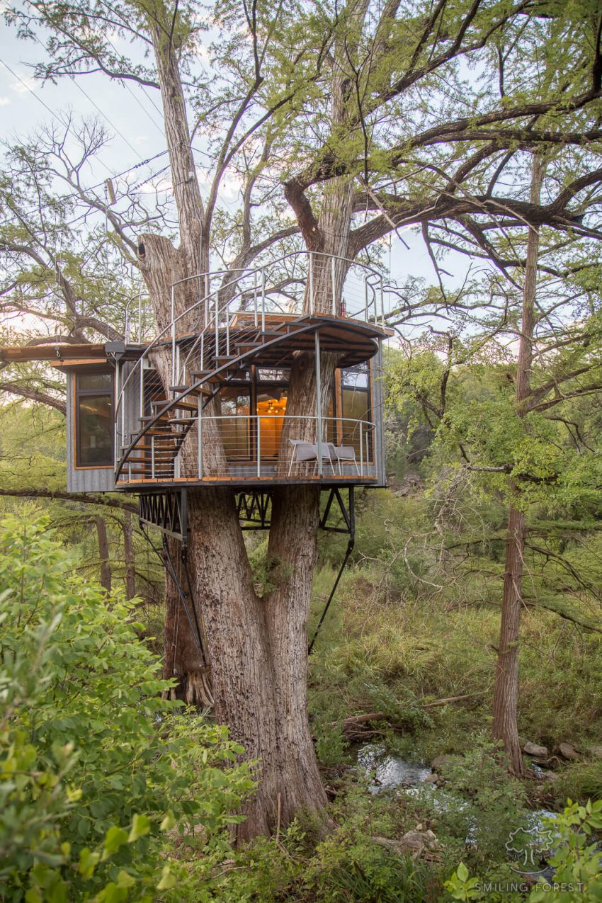 Spend The Night In A Luxury Treehouse Outside Austin, Texas