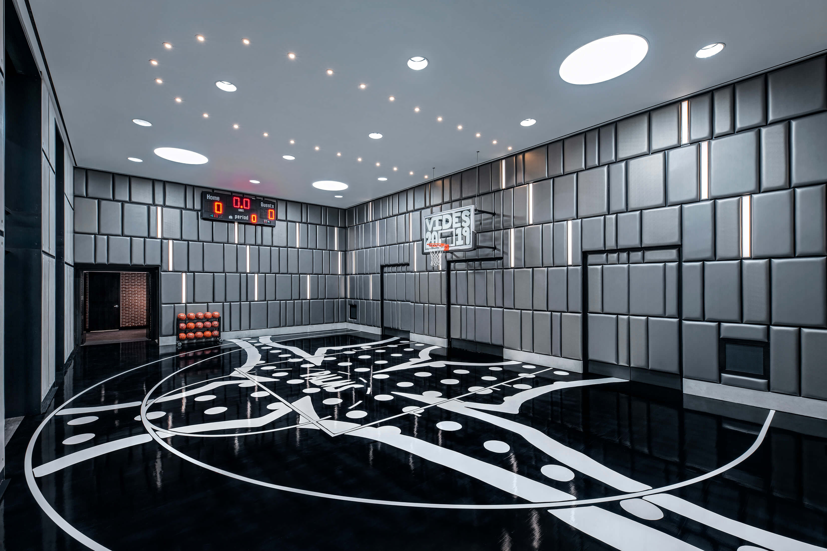 These Vegas hotel suites come with basketball courts and